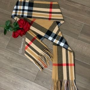 NEW Plaid pattern fringe scarf